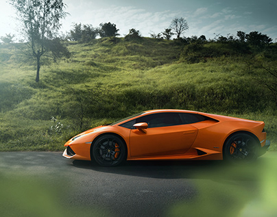 The Lamborghini Huracan on Indian backroads