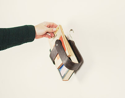 Make 100: Readme - A Portable hanging book rack
