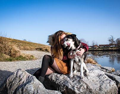 spontanes shooting beim spazieren mit den Hunden