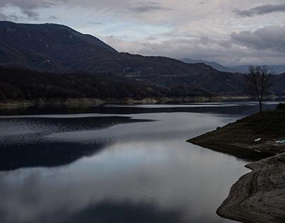 La Diga, Lago del Salto, RI, Italia, Pomeriggio Inverno
