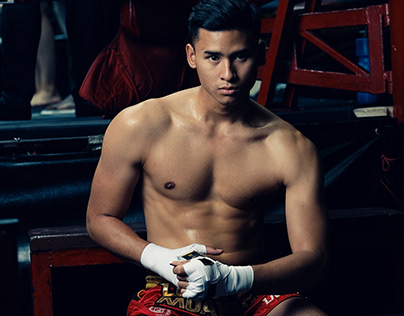 2019 Mister Global candidates in Thai boxing costumes