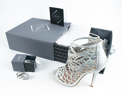 Anwyn Shoes & Accessories Packaging
