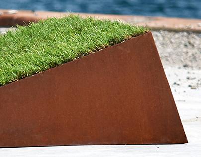 Softline: Slope, a grass recliner
