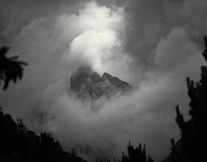 Dolomites in black and white