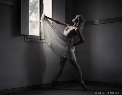 The silent noise of dance