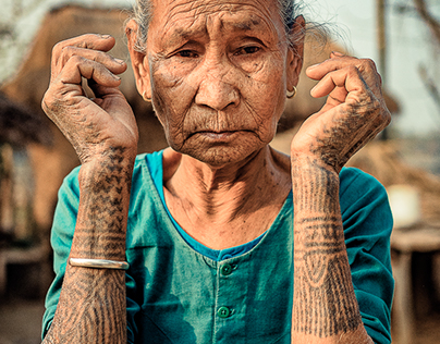 The Last Tattooed Women Of The Tharu Tribe