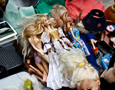 Dolls, Toys and Curiosities.