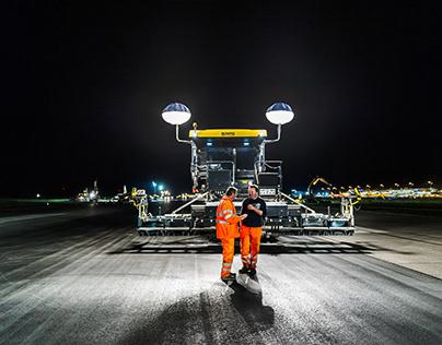 NIGHT ON AIRPORT