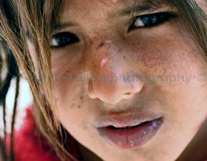 [PHOTOGRAPHY] Bedouin Girls Of Petra