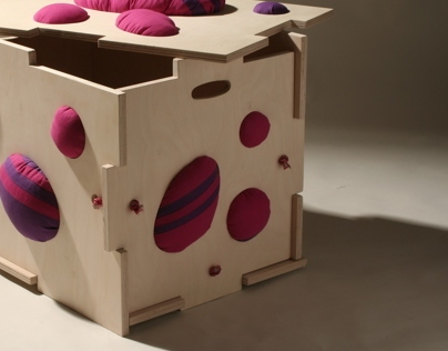 Hutch Box (store-sit-play)