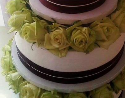 Fresh Rose Wedding Cake