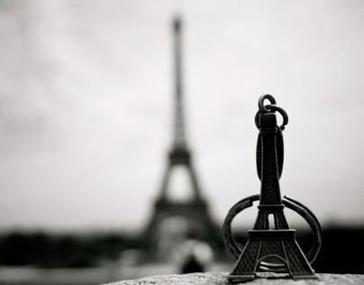 9 Facts :  Tour Eiffel