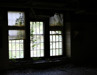 I Explored an Abandoned Asylum