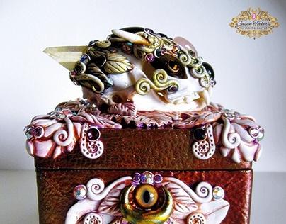 PYEWACKETT - Cat Skull Shrine Box
