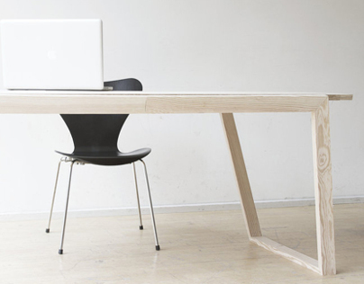 KULMAT dining table, by Anna Karnov