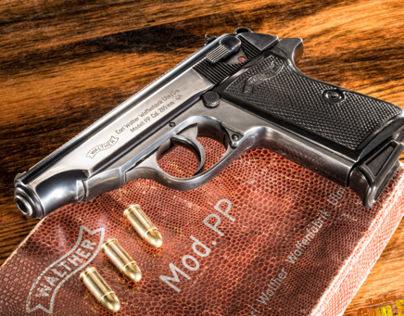 Walther PPk -- Gun Magazine -- Japan