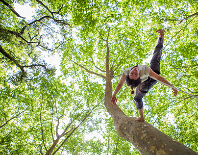 Vertical Dance in The Forest w/ Magalie Lanriot | Mafra