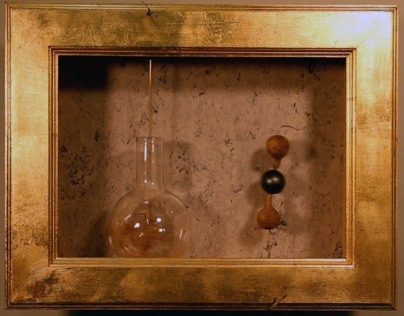 TWO GORDS & BALL VS COPPER, SISAL, GLASS