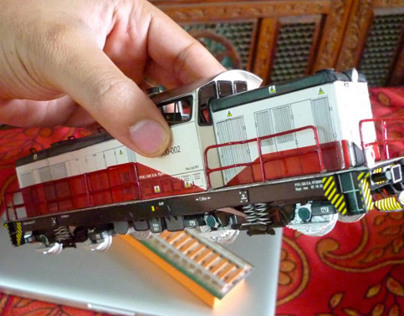 Paper Model of 'LS 1000 Locomotive'