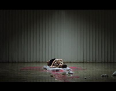 Kitchenfloor music video styling