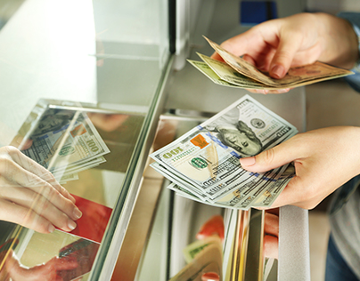 Holidays Saving: Reducing Foreign Currency Exchanges