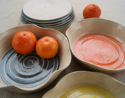 """Organic"" bowls with spiral ornament"