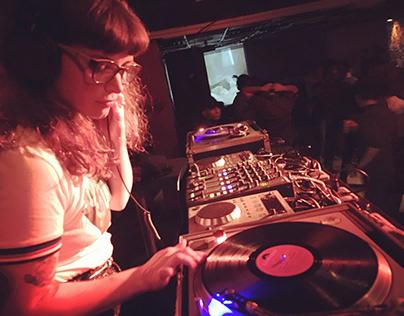 DJ & Vinyl Selector