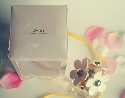 DAISY - Marc Jacob Packaging Design