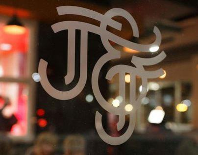 Jack & June Urban Table