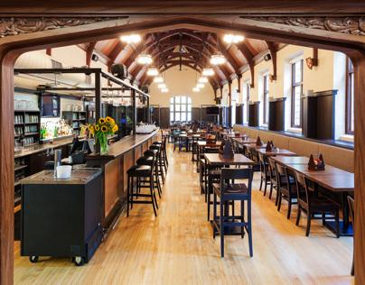 McMaster University Phoenix Pub