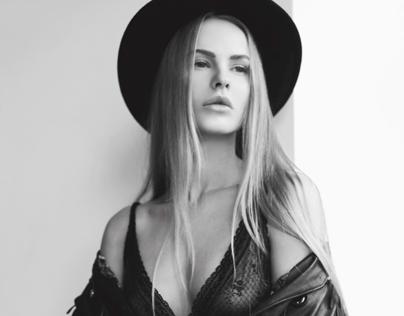Anna D. Model test