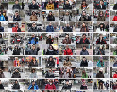 100 Tourists