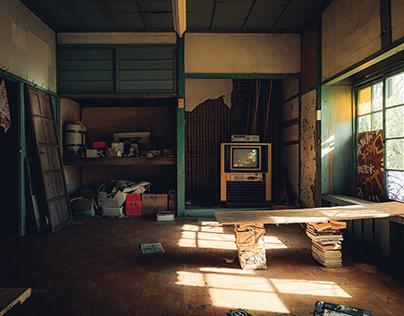 Ruins 13 / abandoned / Abandoned house