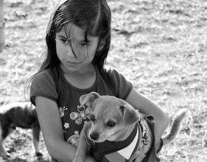 La Niña y el Perrito
