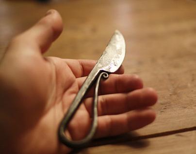 Housewife's knife