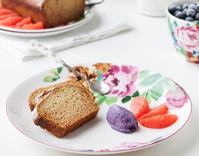 Vanilla grapefruit cake / blueberry ice cream
