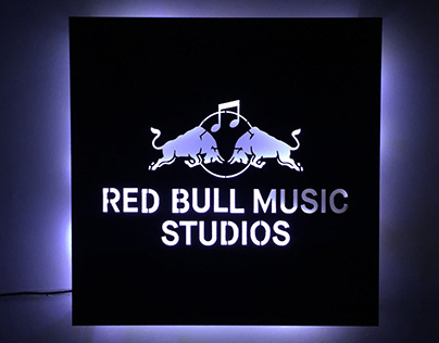 PLACA RED BULL STATION