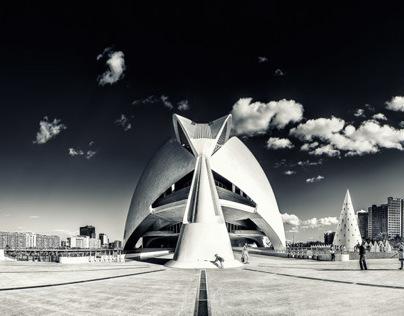 Valencia: Lights and Shadows