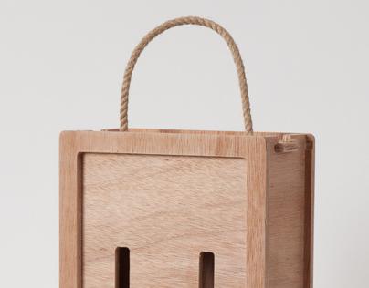 Şişe kutusu / Box for bottles / Kasten für Flaschen