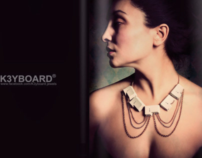 K3YBOARD necklaces