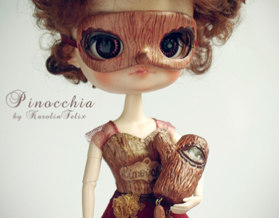 Pinocchia - Lady with the Log