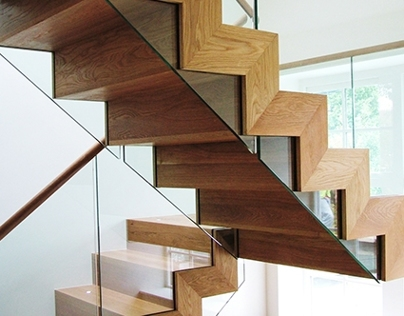 Stormont Seamless Timber & Glass Staircase