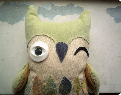 Winking Gustav Pistachio Owl