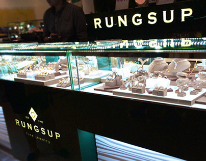 Jewelry Store and Booths for Rungsup Fine Jewelry