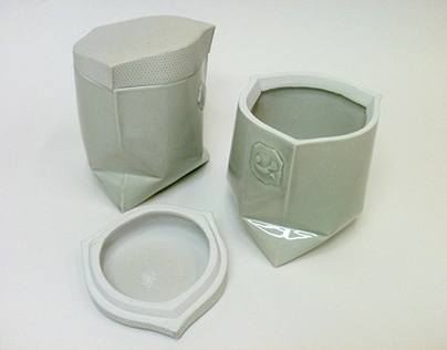 Dish with a lid