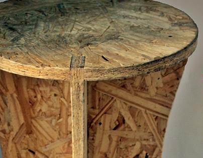 Banco em madeira compensada - Marcenaria