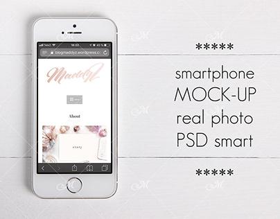 Smartphone Mock-up. PSD Smart Object