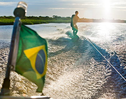 Wake surfing Rio Guaíba - Porto Alegre, Brasil