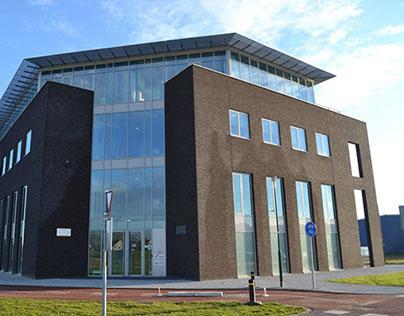 Multifunctioneel gebouw De Bouw Houten