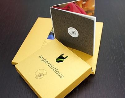 Bracelet and pochette packaging